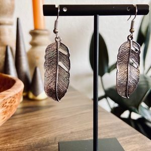 Jewelry - ✨ LAST PAIR! ▪️ Silver Feather Earrings